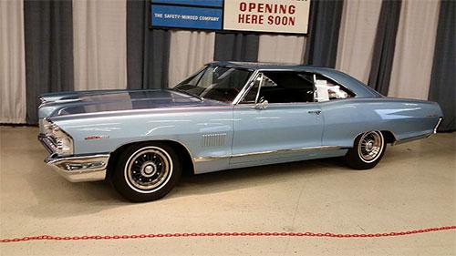 Pontiac 2+2